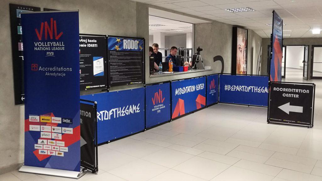 Zabudowa Biura Akredytacji VNL Stegu Arena Opole 2019